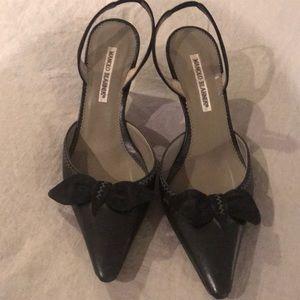 Manolo Blahnik Black shorty heels